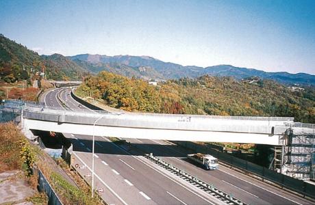 中央自動車道_談合坂橋