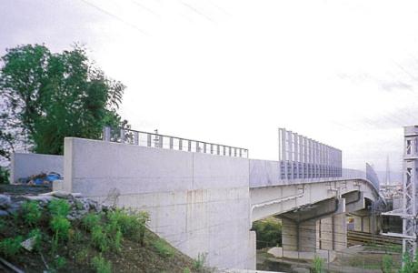 東名自動車道_大山崎側道橋(京都府)